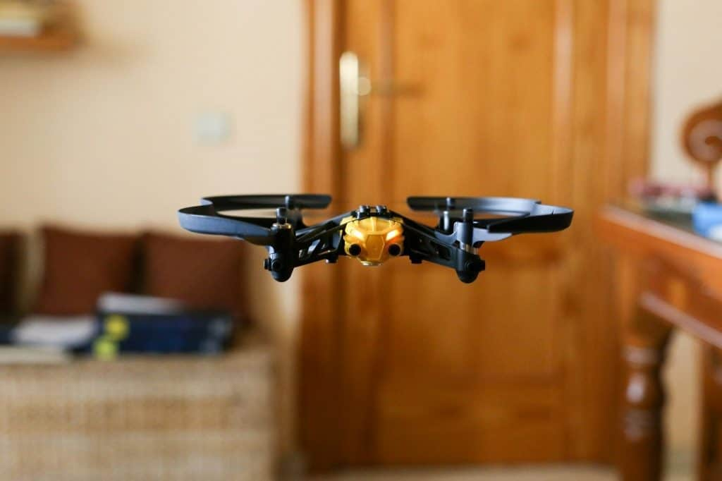drone-flying-in-door
