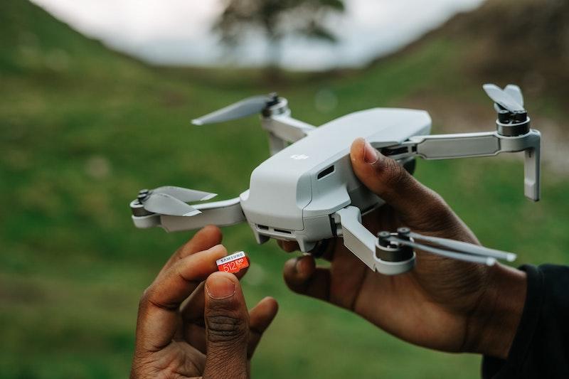 insert drone sd card